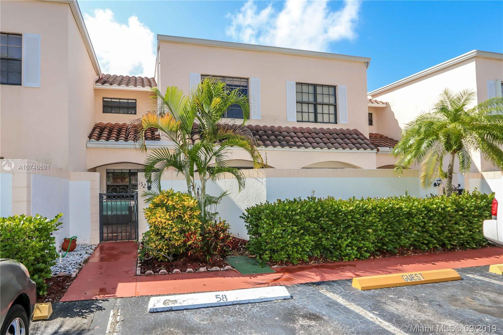 This remodeled 2 bedroom/2.5 bathroom home is located in the peaceful neighborhood of Harbor Village
