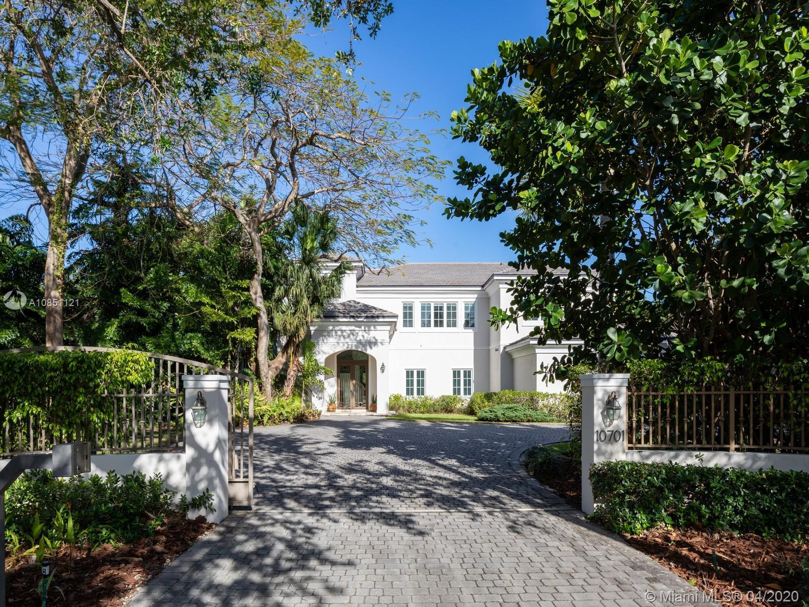 Elegant Transitional Estate in the heart of Pinecrest w/a modern flare, clean lines & neutral colors