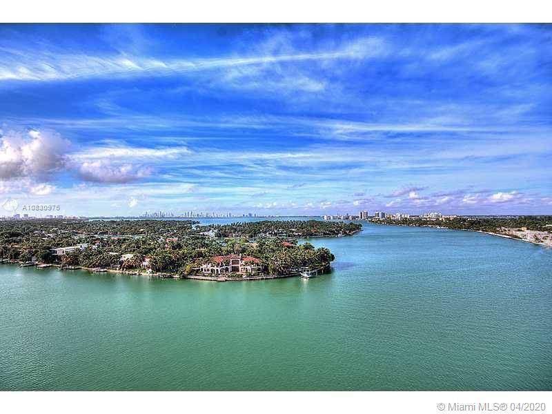 BEAUTIFUL CONDO FACING THE INTRACOSTAL BAY. ENJOY MAGNIFICENT  SUNSET VIEWS FROM IT OPEN BALCONY OVE