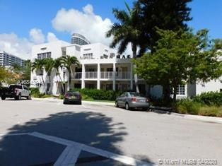 "Great location for this fully equipped studio in the heart of South Beach. Enjoy the perfect ""Beach"