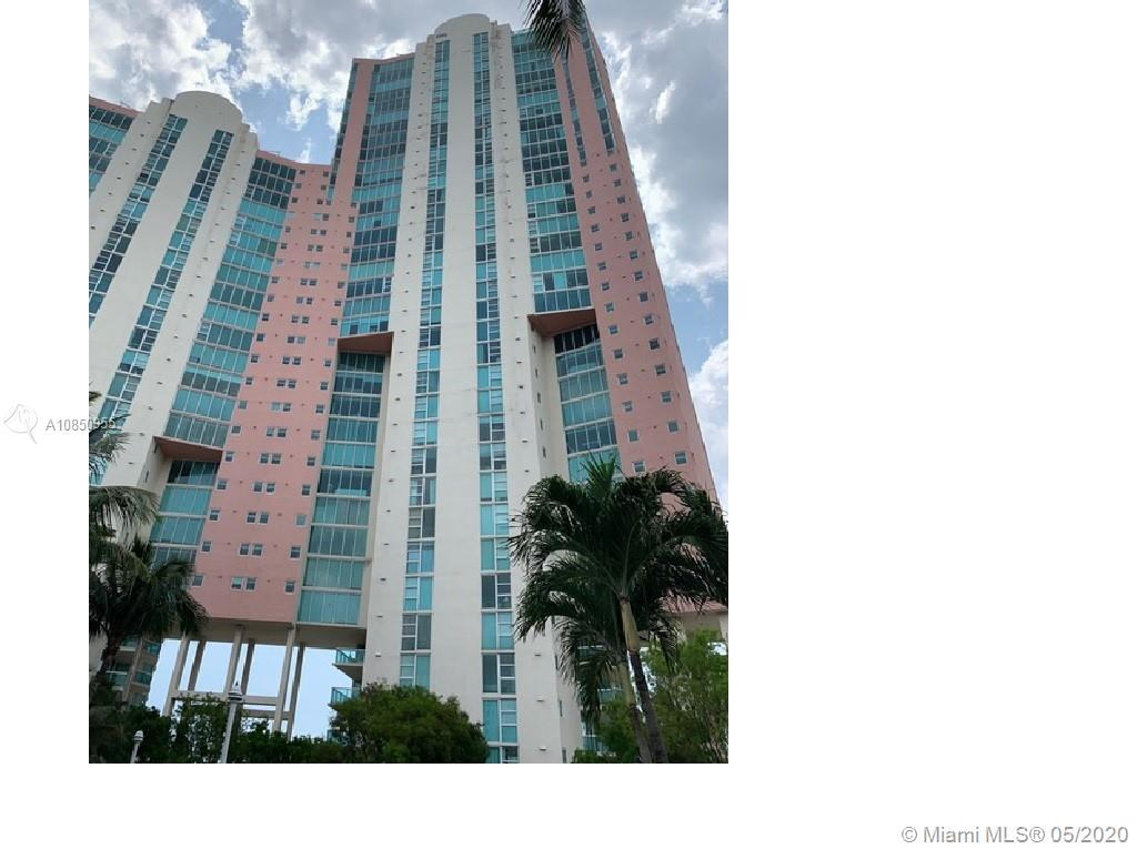 HIGH-END SPACIOUS CONDO WITH AMAZING BAY AND CITY VIEWS! Turnkey furnished three bedroom, three bath