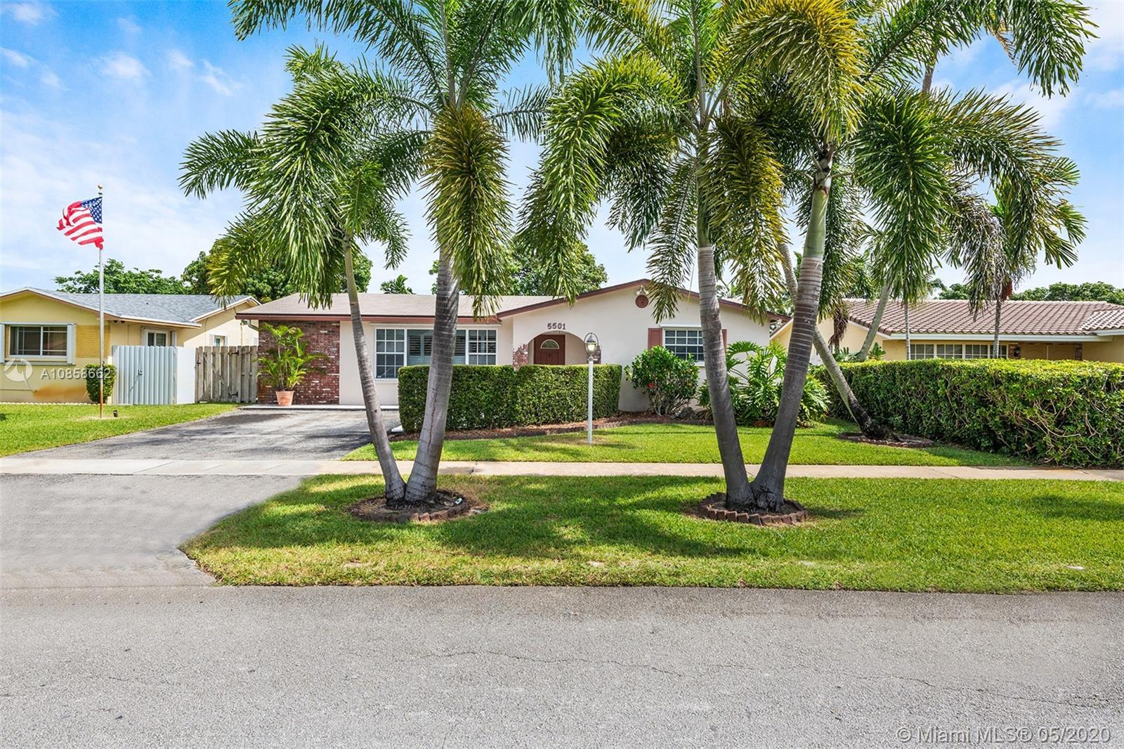 Beautiful and well-maintained Hollywood Hills 3 bedroom/2 bathroom home! Pride of ownership is evide