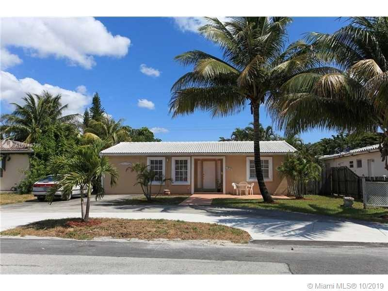 Great House. total of 3/3. . Property is upgraded and renovated. Property has screen large patio wit