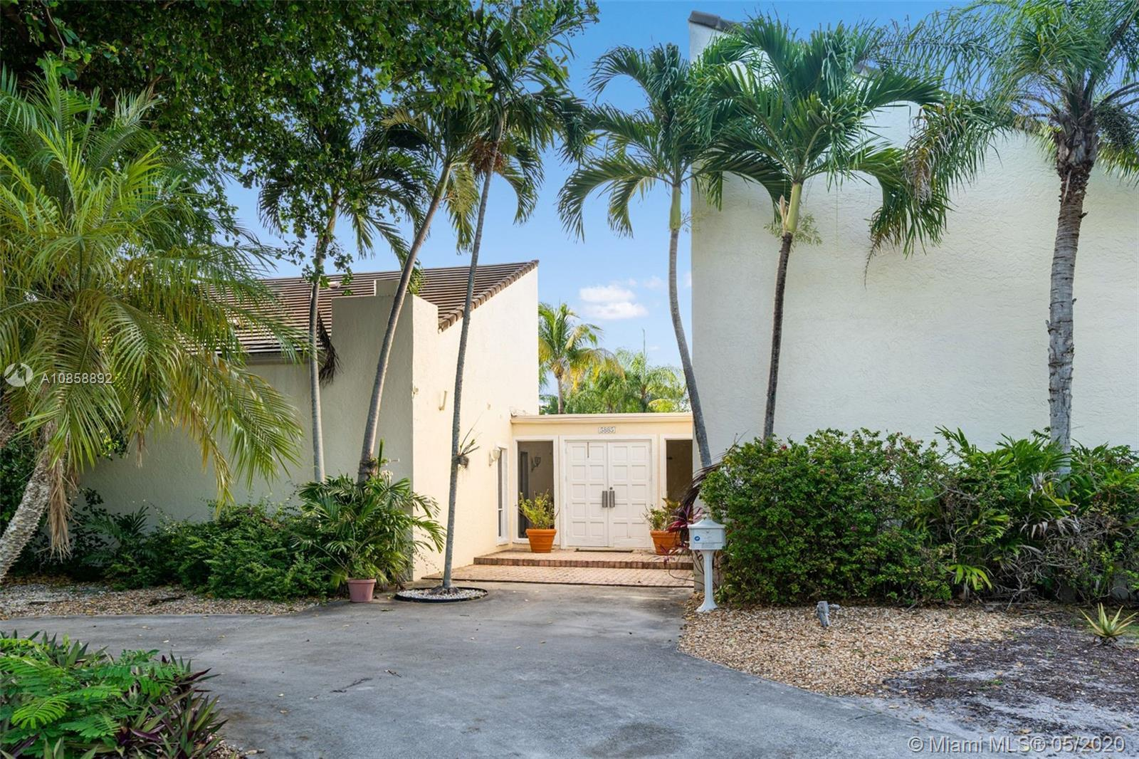 Check this captivating home with an ample backyard — located inthe heart of Pinecrest, this unique