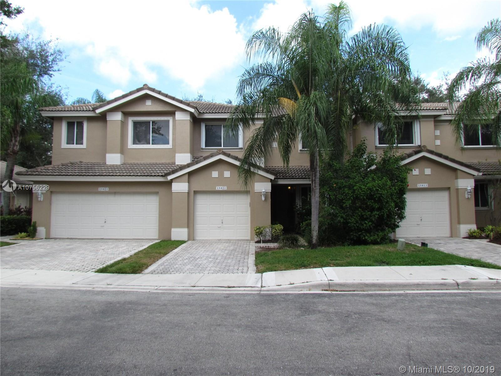 BEST LOCATION in Pembroke Pines. Move fast on this beautiful well maintained 3 bedrooms 2.5 baths, 1