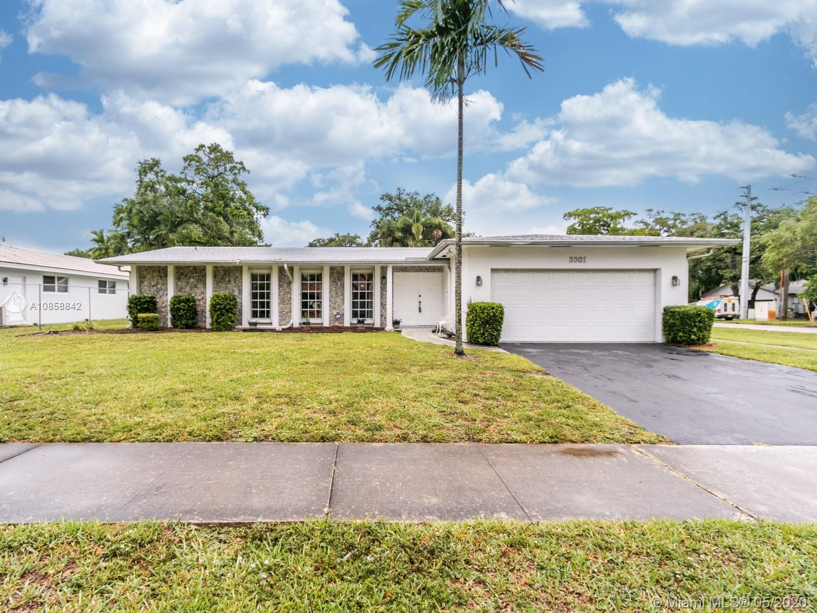 You'll fall in love with this fantastic 3 bedroom, 3 bathroom single family move-in ready property,