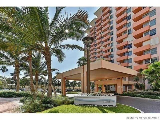 Great opportunity in an awesome building! Center of Miami Beach with shopping, beach, and lots of en