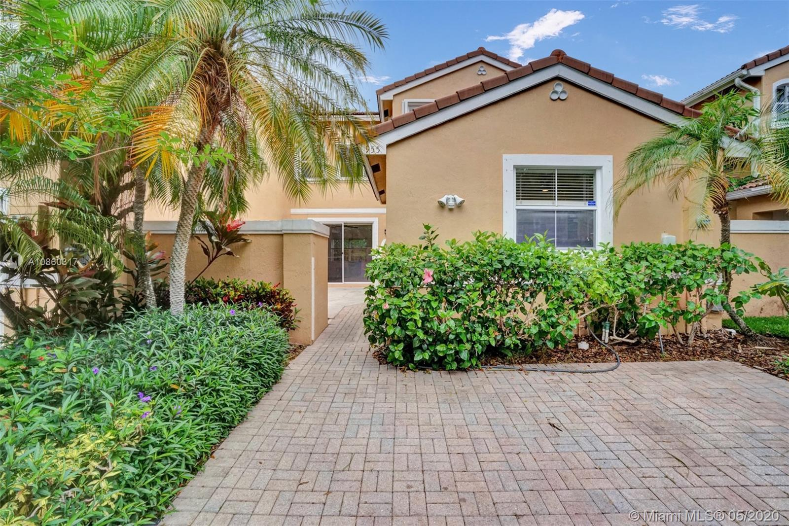Gorgeous townhouse in West Lake Village a secluded gated community, 3 Bedrooms, 3 Full Bathrooms. O