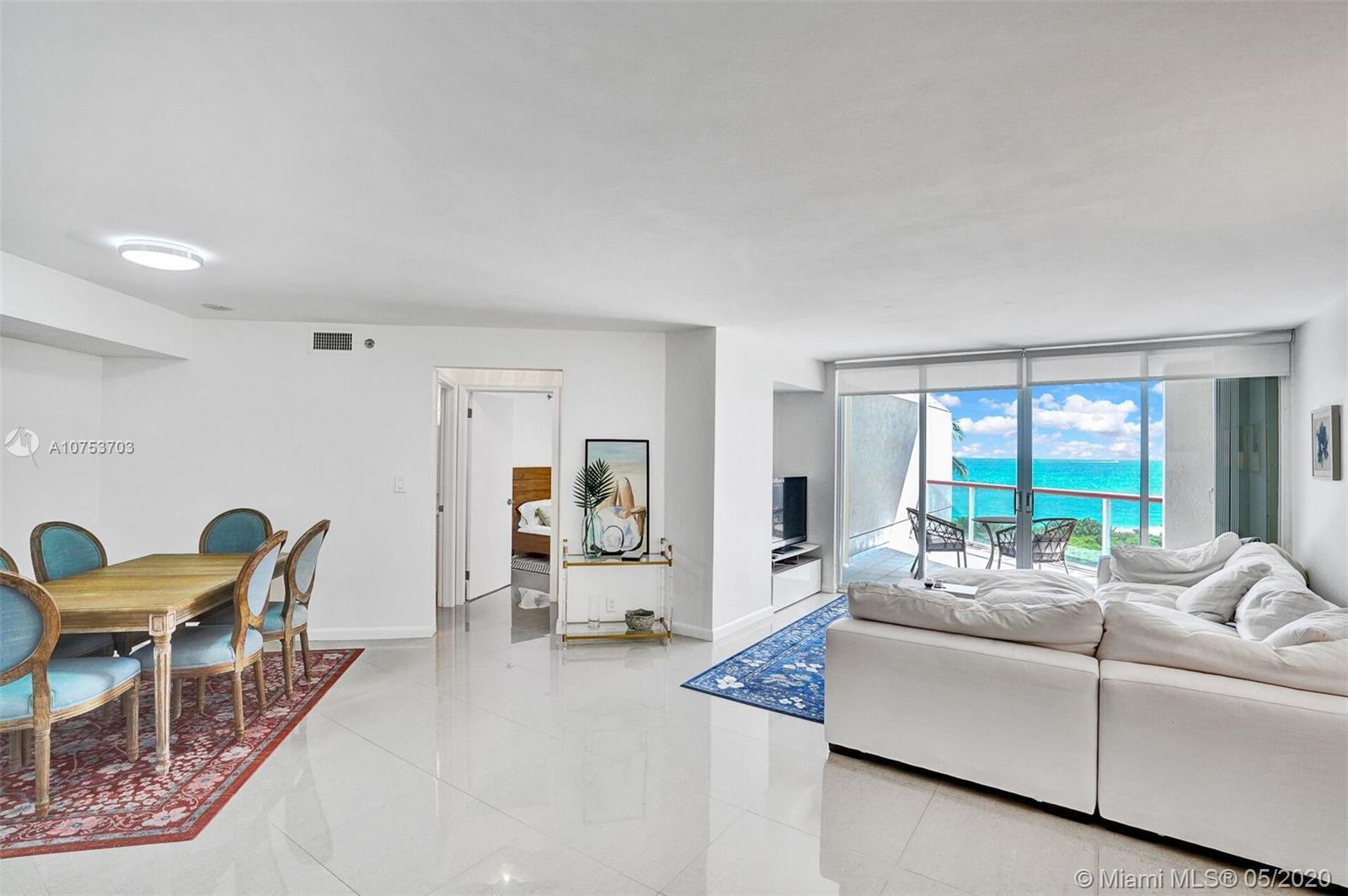 RESORT LIFE-Beautifully Renovated 2/2, with a beautiful Easterly Ocean View..like you are on a cruis