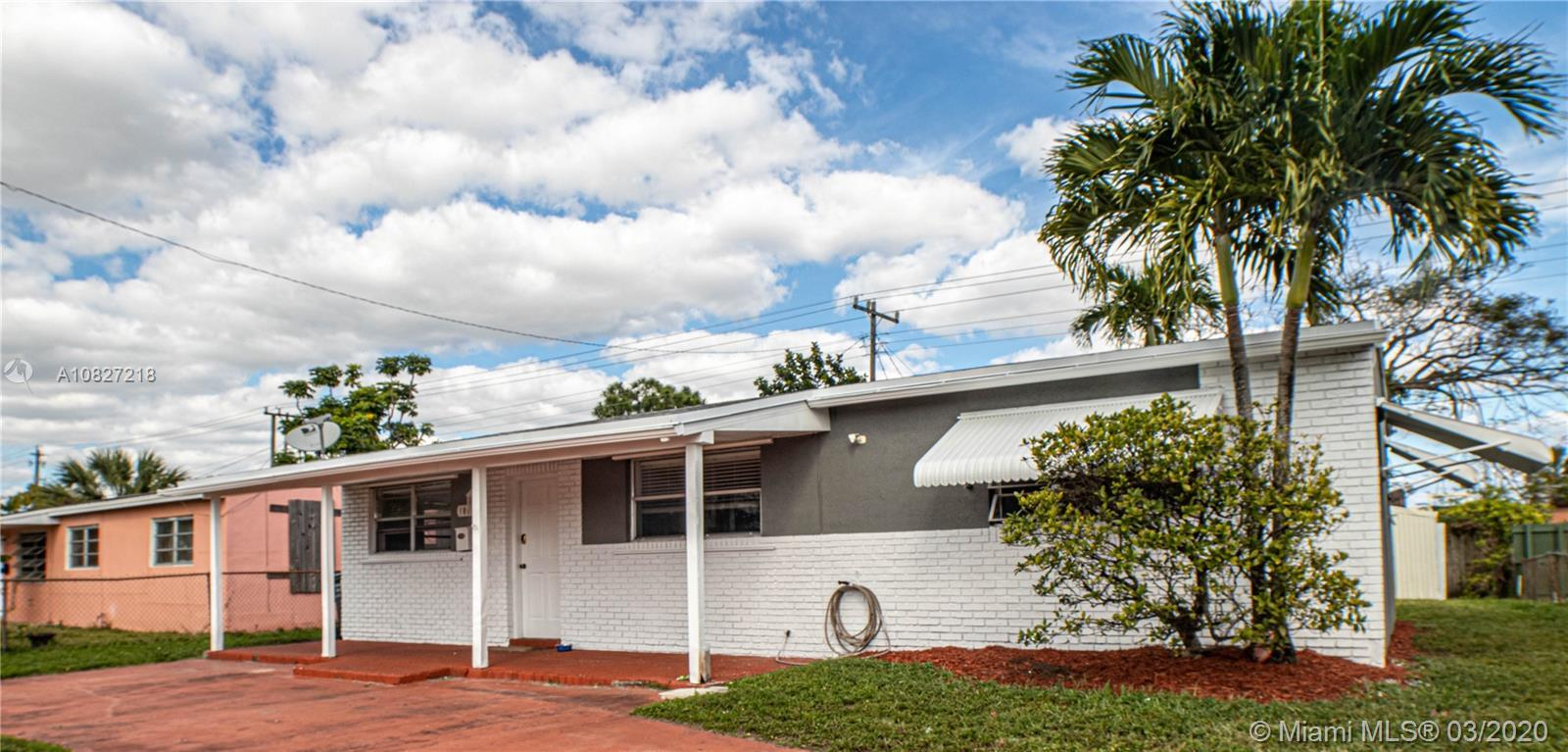 Clean 3 bedroom home in a nice family oriented neighborhood.  Large kitchen with lots of counter spa