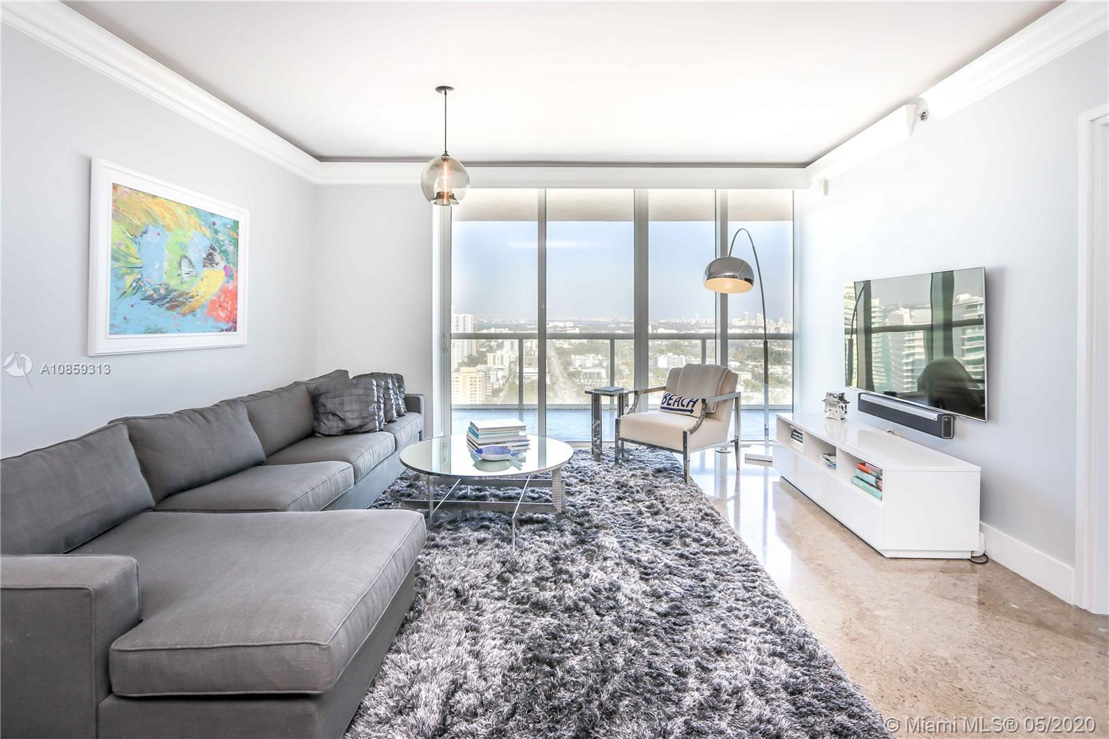 Spacious high floor 06 line 2 bedrooms / 2 bathrooms at Icon South Beach. Kitchen opened and great l