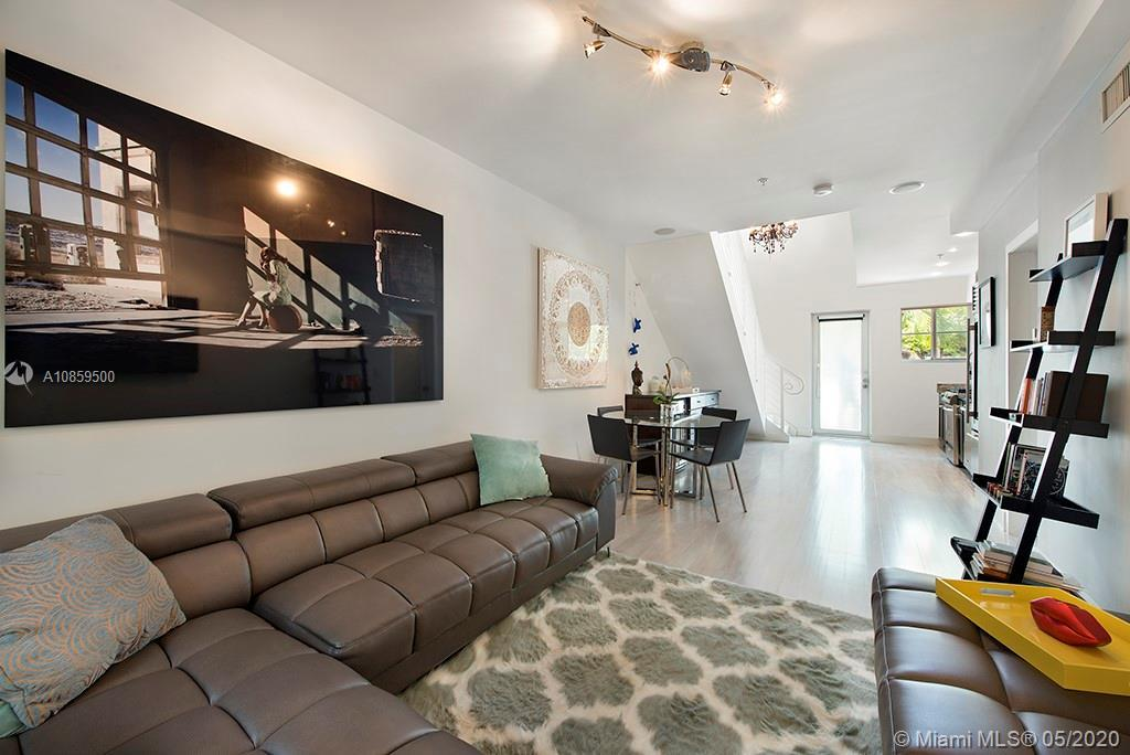 Spectacular two-story loft at Villa Lucca South Beach! - This oversized space is the perfect blend o