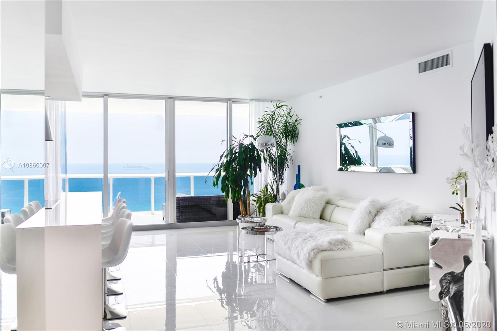 Rarely Available and Highly Sought-After 02 Line in the Blue and Green Diamond with Direct Ocean-vie