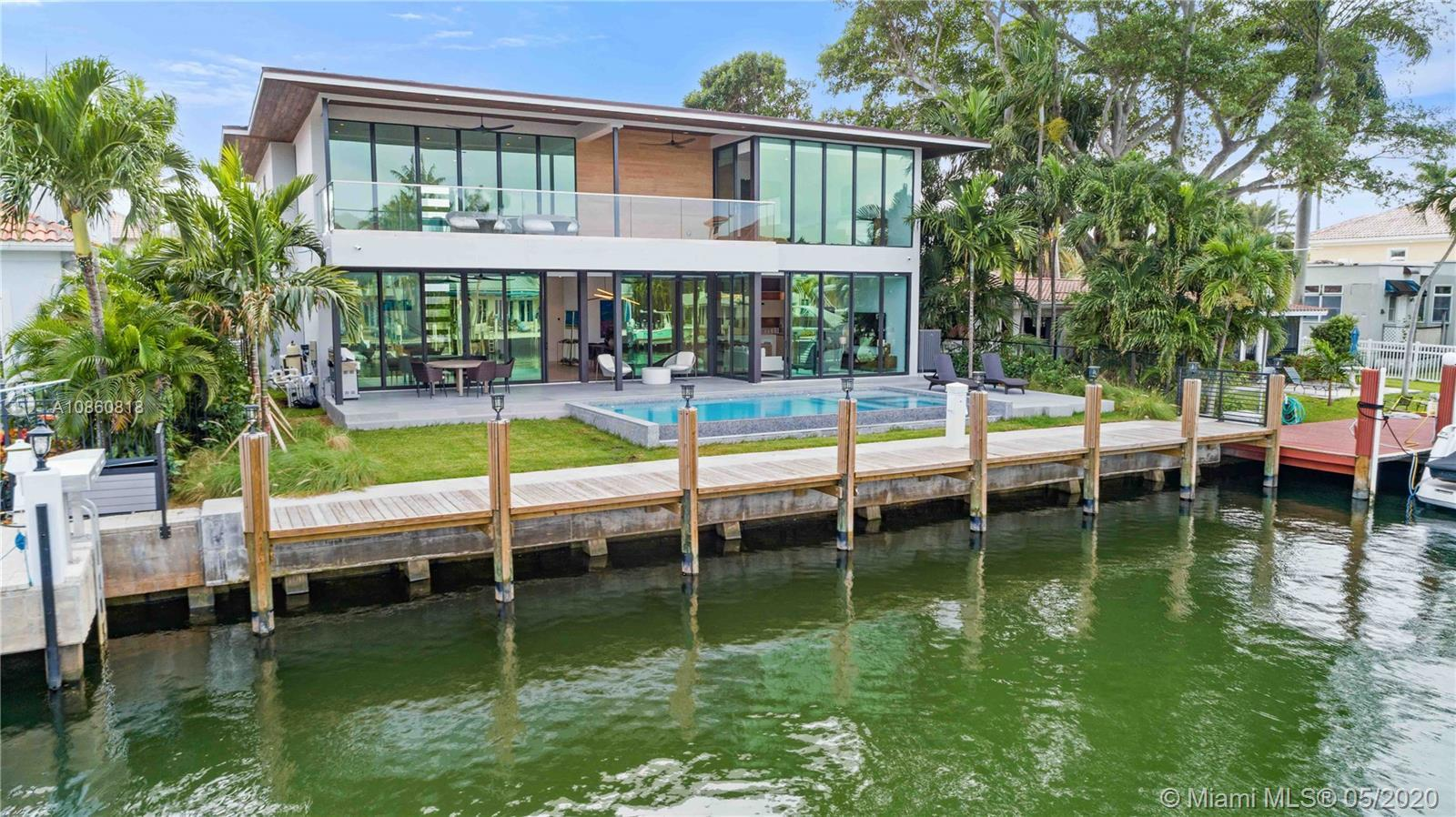 New construction, Sophisticated Luxurious 2 story Modern Design on 70 Ft. of deep water. State of th