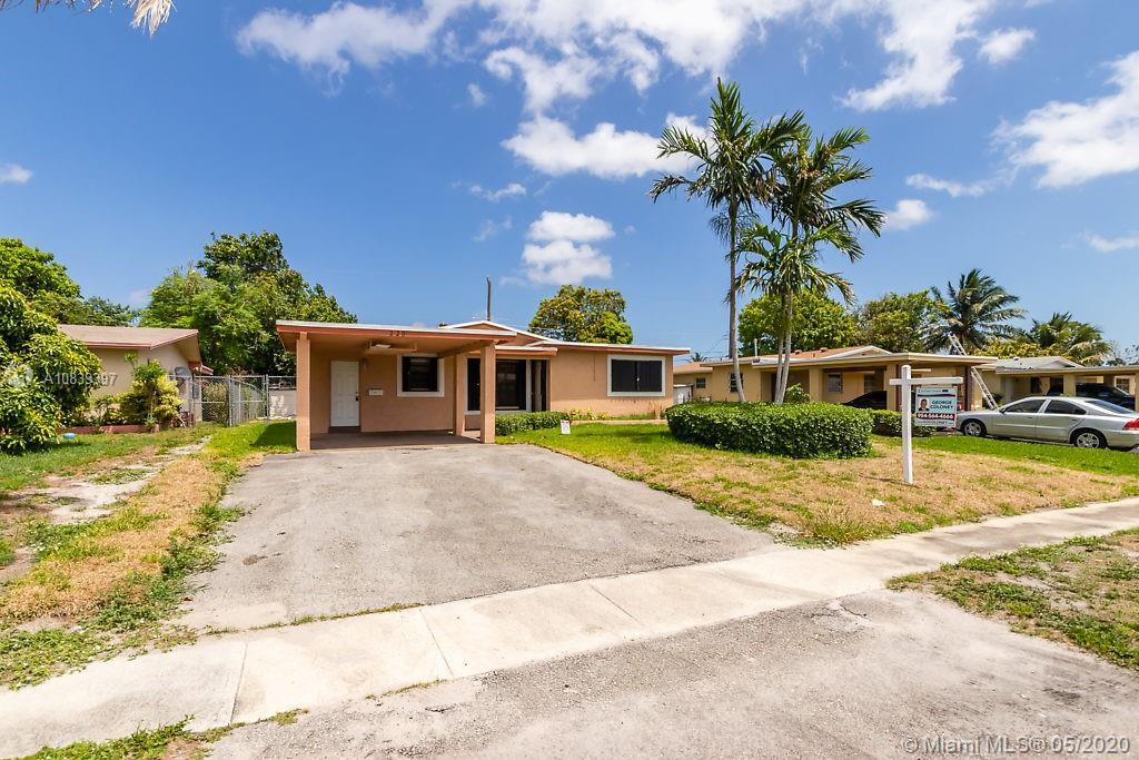 Recently renovated 3 bedroom 2 bath in the heart of Fort Lauderdale. Open floor plan, fenced in yard