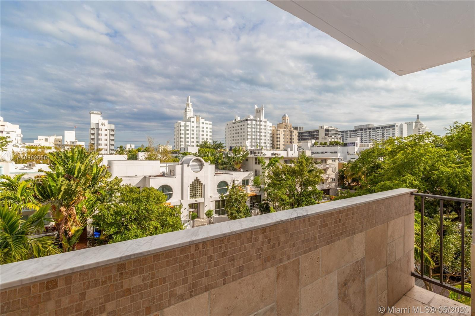 Spacious corner unit in the heart of South Beach. Open floorplan w/potential to convert to 2 bedroom