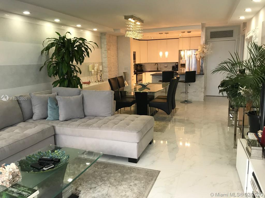 BEAUTIFUL MAINTAINED AND REMODELED PENTHOUSE UNIT WITH ONE MASTER BEDROOM, 2 COMPLETE BATHROOMS AND