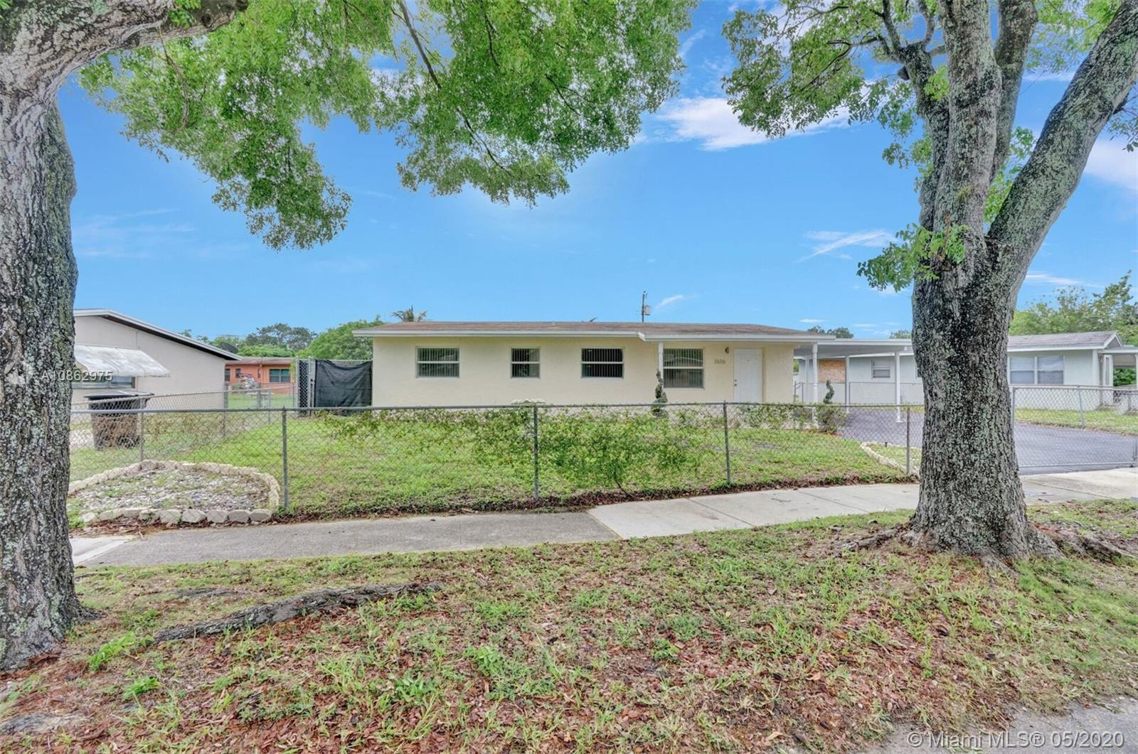 BEAUTIFULLY FULLY REMODELED 4 BEDROOM 2 BATHROOM IN THE HEART OF FORT LAUDERDALE! PERFECT STARTER HO