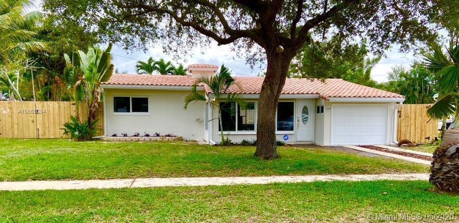 Gorgeous POOL Single Family Home 1503 sqft under air in 8250 sqft fenced lot Flamingo Park 3/3 with