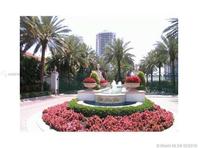 ONE ISLAND PLACE. PRIVATE ELEVATOR DIRECT TO YOUR APT. HIGH CEILINGS. 2240 SF WITH MAGIC VIEWS. MARI