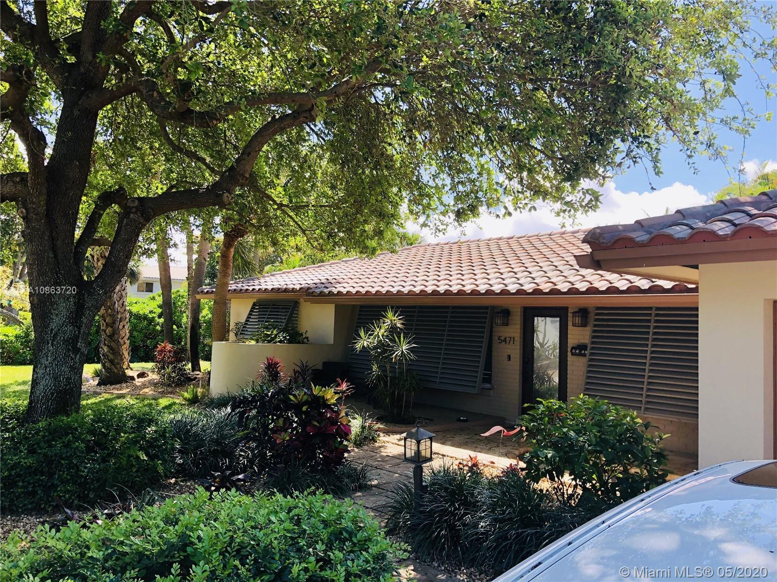 Stunningly Serene Corner lot home in the great location of Knoll Ridge next to Imperial Pointe.This