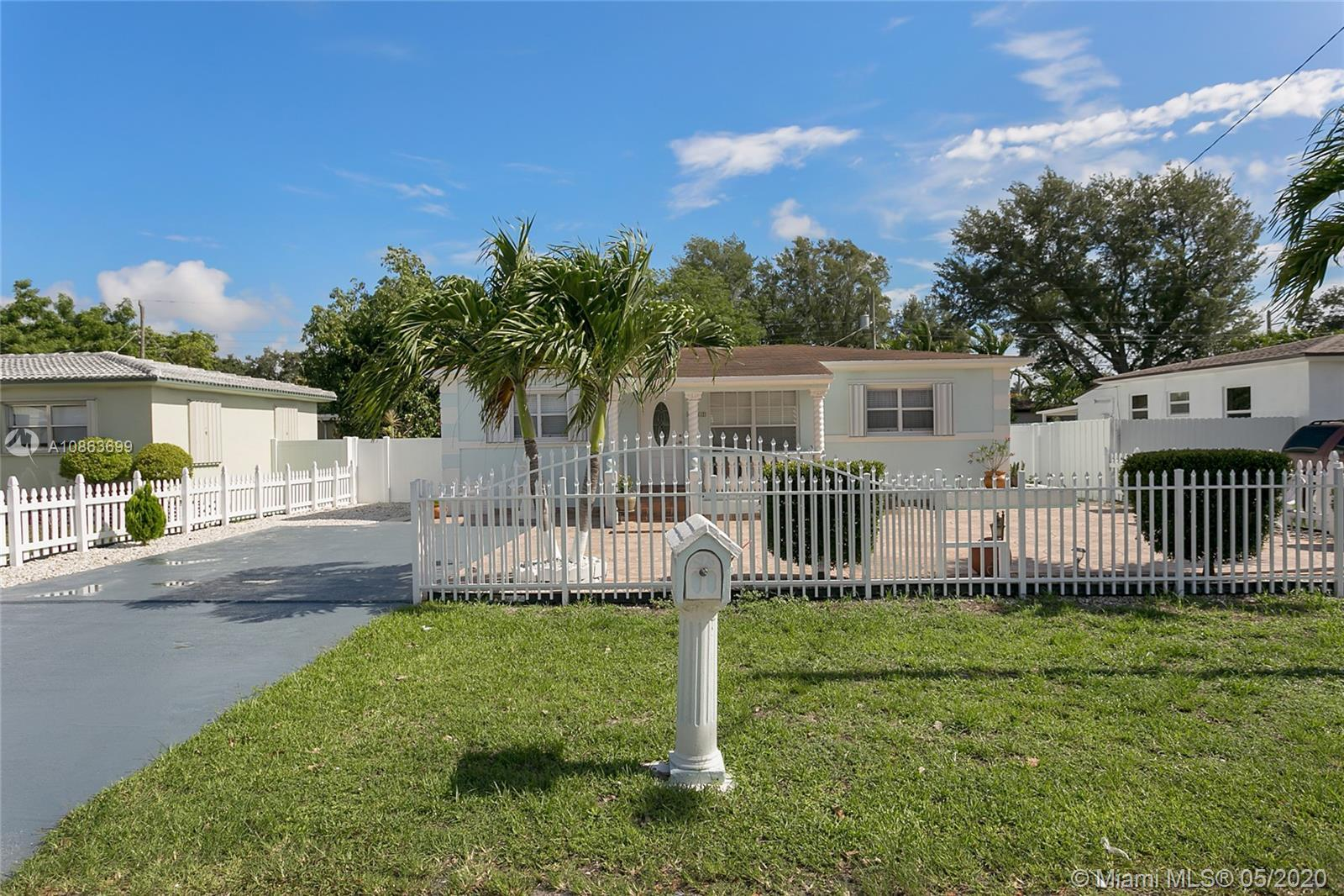 Looking for a no-nonsense, move-in ready, upgraded, & impeccably maintained property? -NO ASSOCIATIO