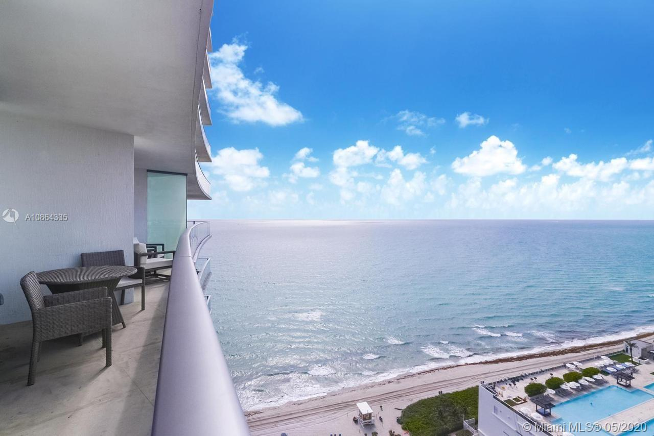 Stunning Investment opportunity in Hollywood Beach!!! Just less than 10 minutes away from Aventura M