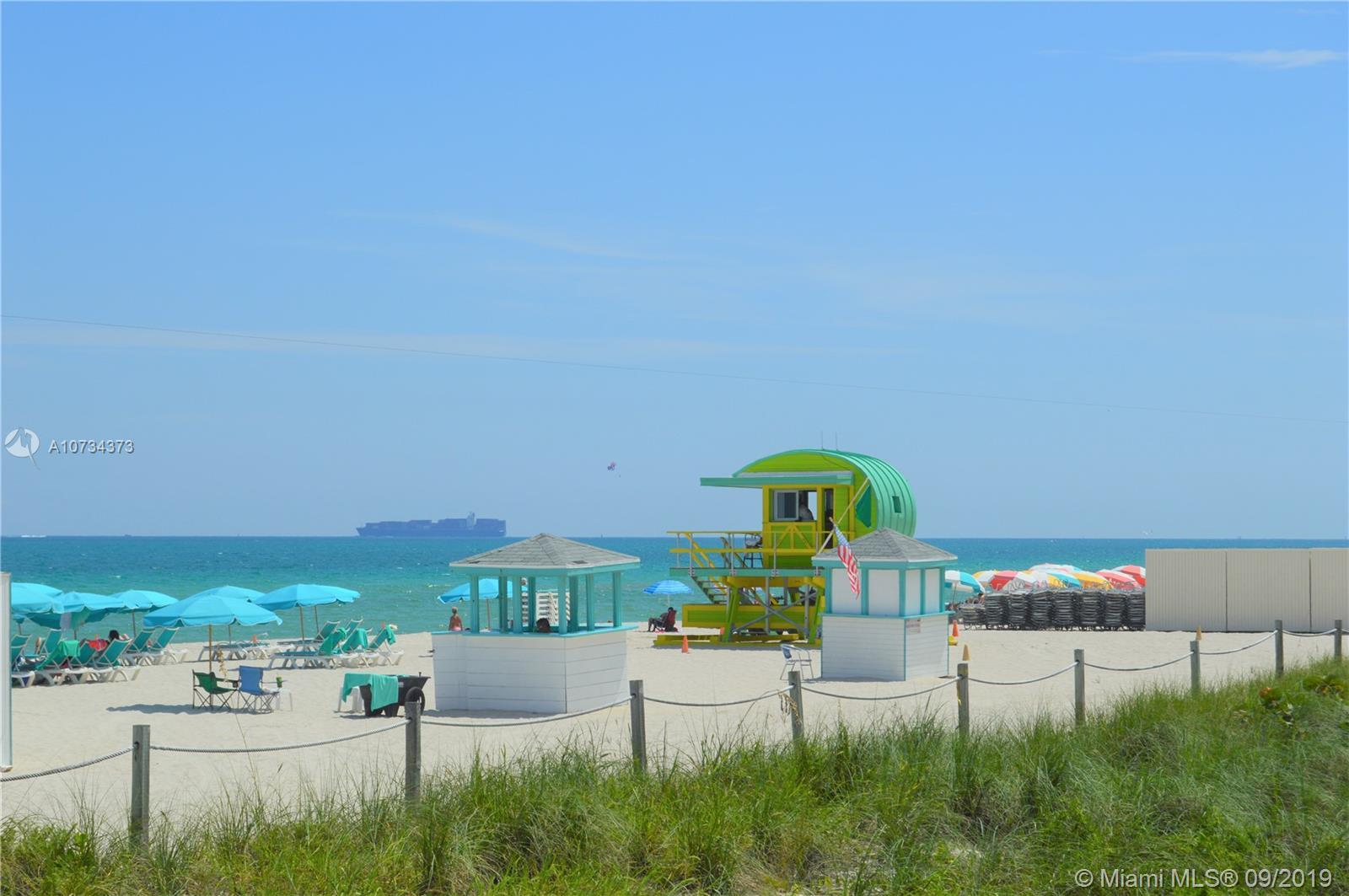Miami Beach spacious 2 bedroom, 2 bathroom condo, walking distance to the white sands of Miami Beach