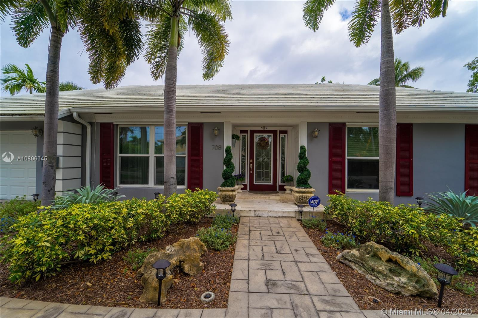 REDUCED! BACK ON THE MARKET! Ready for your family. SPECTACULAR family pool home on large corner lot