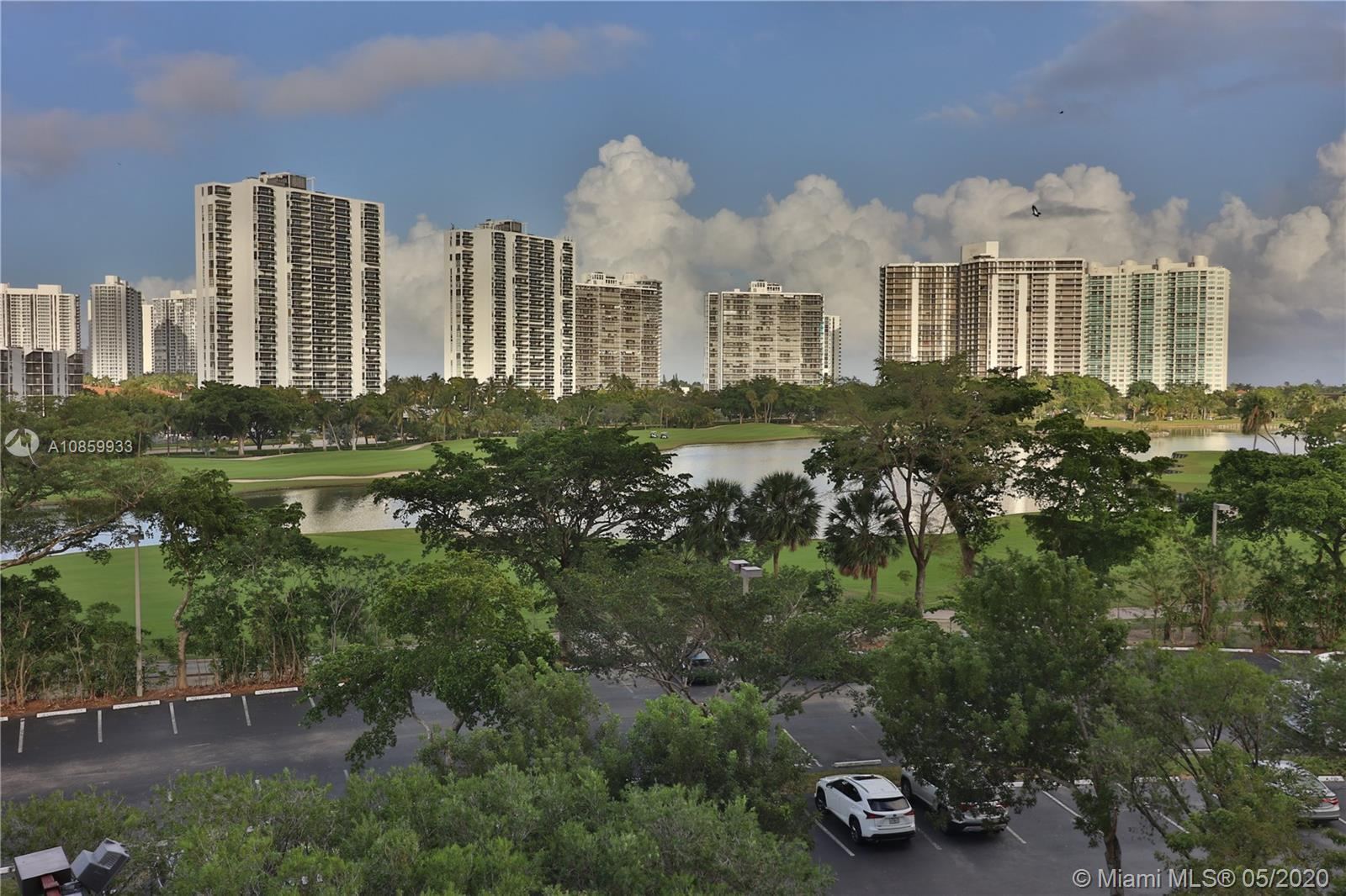 Amazing golf, pond and Aventura views.  In the heart of Aventura and close to everything this 2 bedr