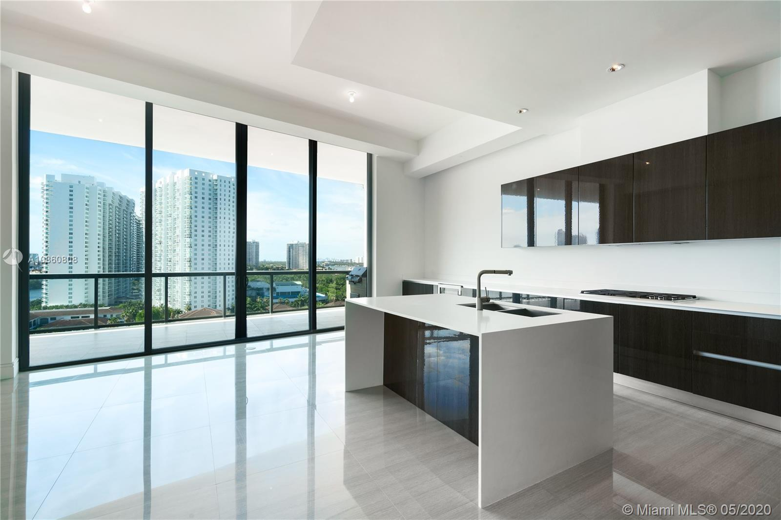 Elegant penthouse with panoramic views of the ocean & intracoastal. Enjoy your private rooftop deck