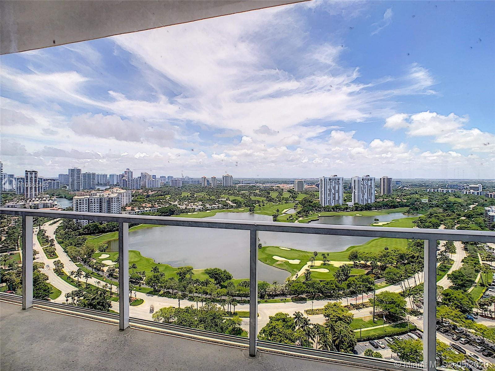 SPECTACULAR GOLF COURSE,LAKE,AVENTURA SKYLINE & OCEAN VIEW FROM REMODELED CORNER TOWER SUITE. FEATUR