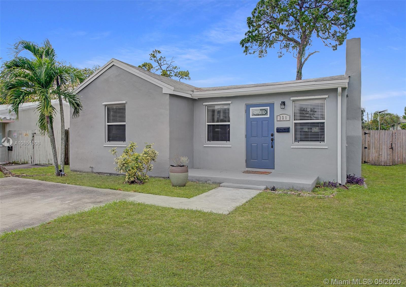 Beautiful home in Downtown Fort Lauderdale. Be within walking distance to Las Olas. Your new home wi