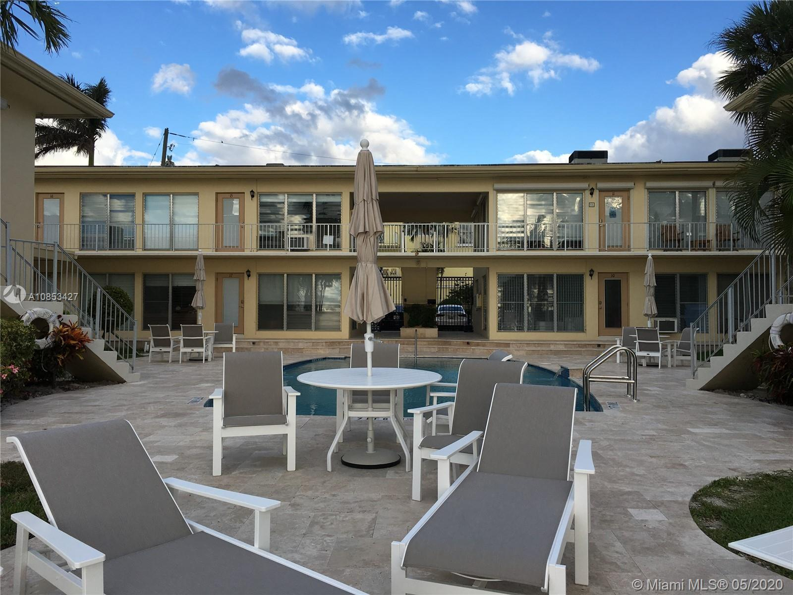 Beautiful views of intracoastal and all the ships passing 17th St Causeway. Boutique building close