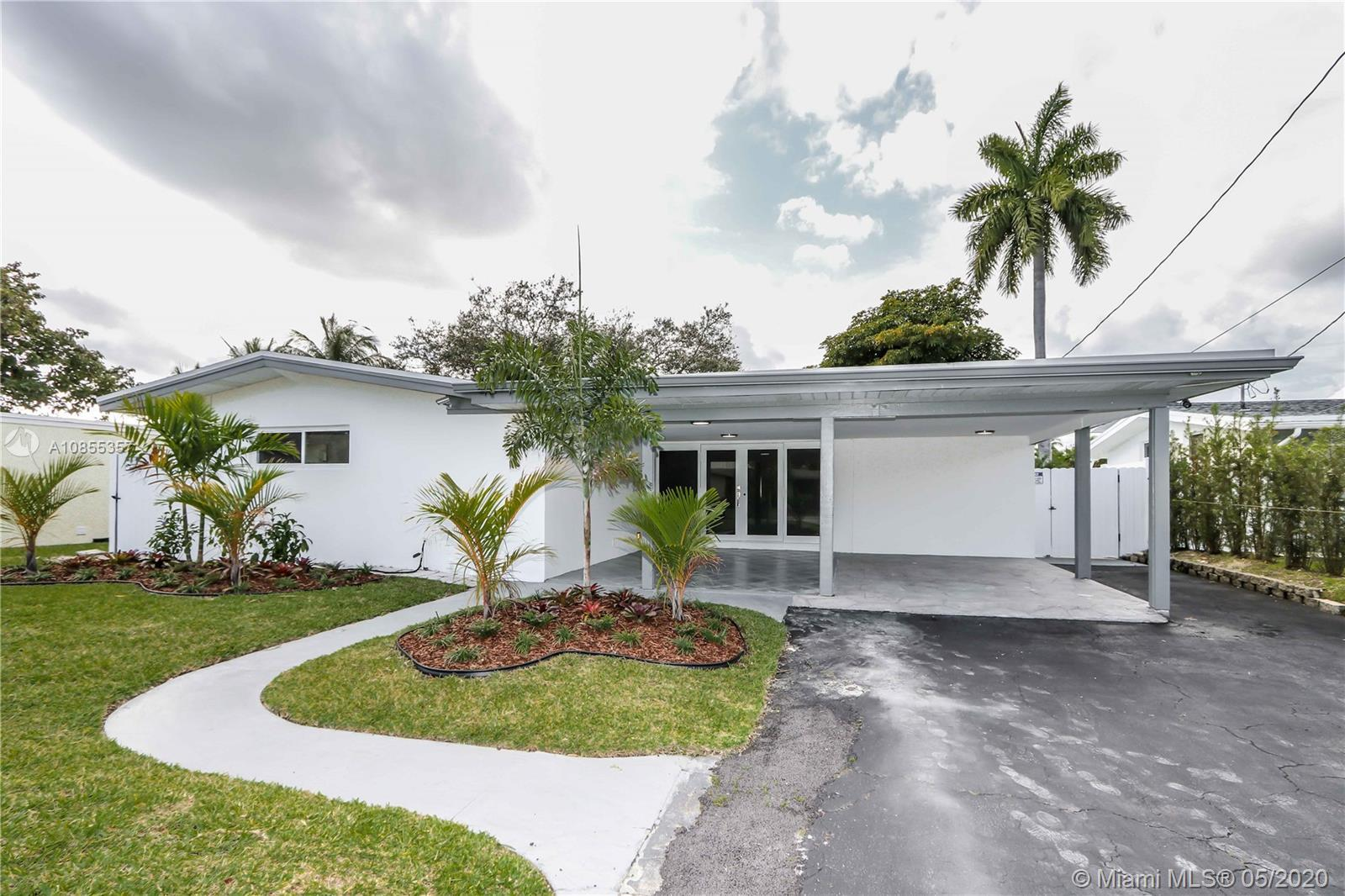 Come see this beautiful 4 bedroom / 2 bathroom located on a quiet street in Lauderdale Isles. This p
