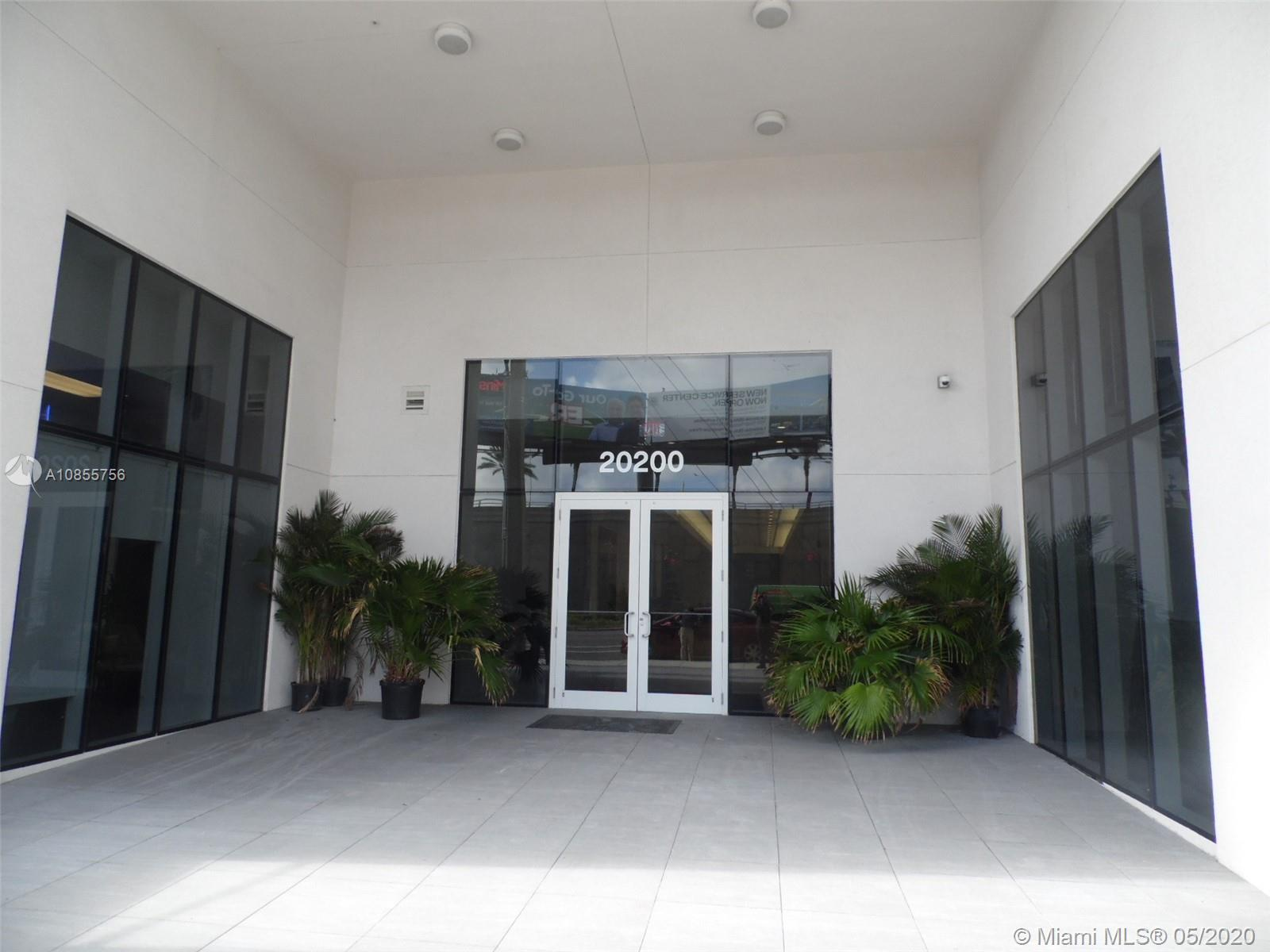This office are located in a building class A in Aventura FL. Have an access to the rooftop garden p