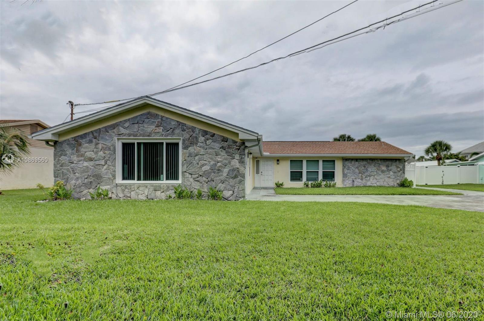 Immaculate, 3 bedroom, 2 bath home, + Large Office (easily turned into 4th bedroom) just a quick 3-m