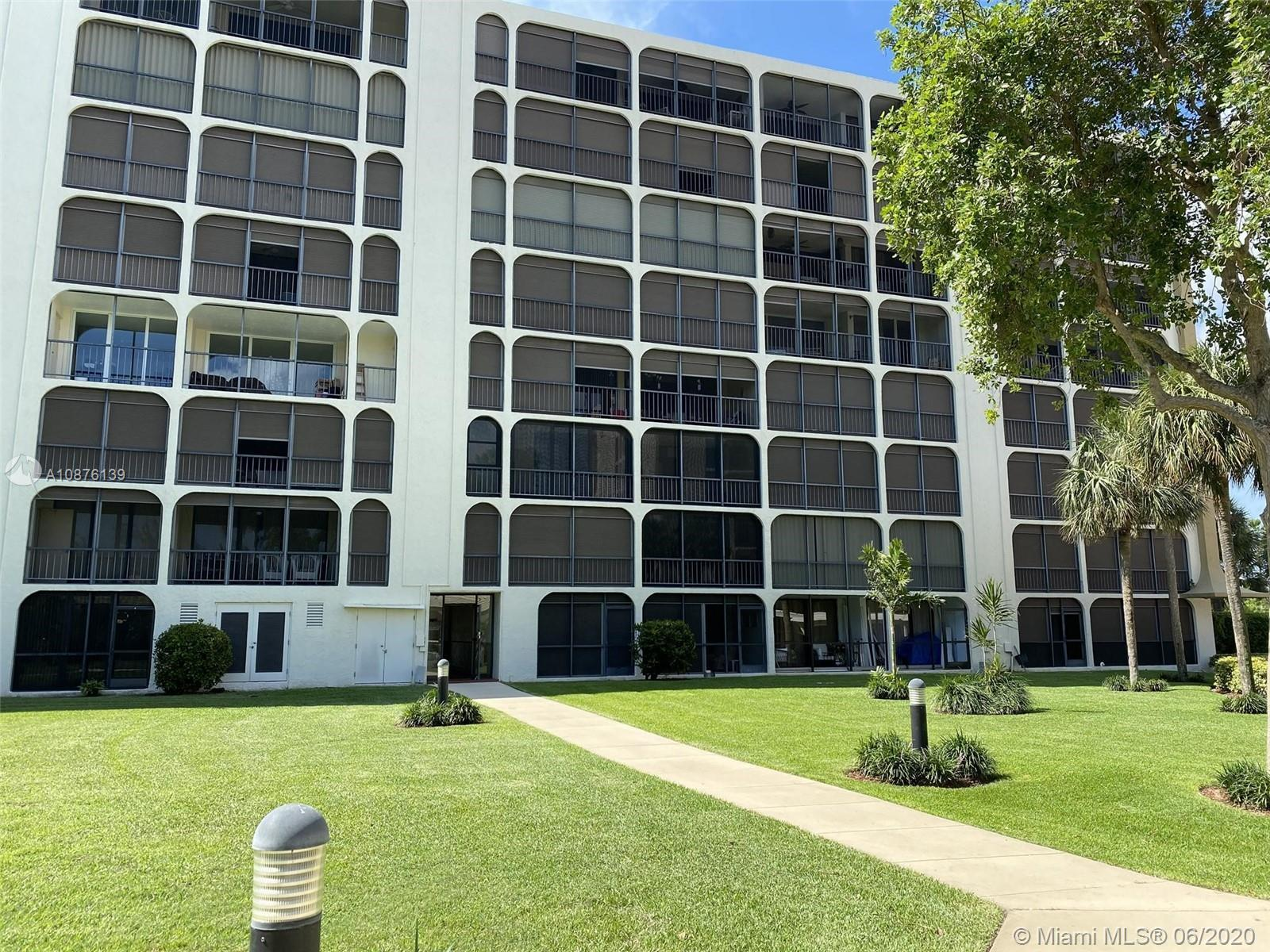 Newer stainless steel appliances, woodlike flooring in all living areas, large screen balcony with r