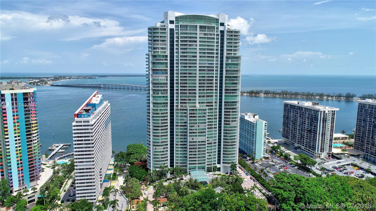 One of the best building in Brickell, the elegant and unique Santa Maria. Breathtaking panoramic vie