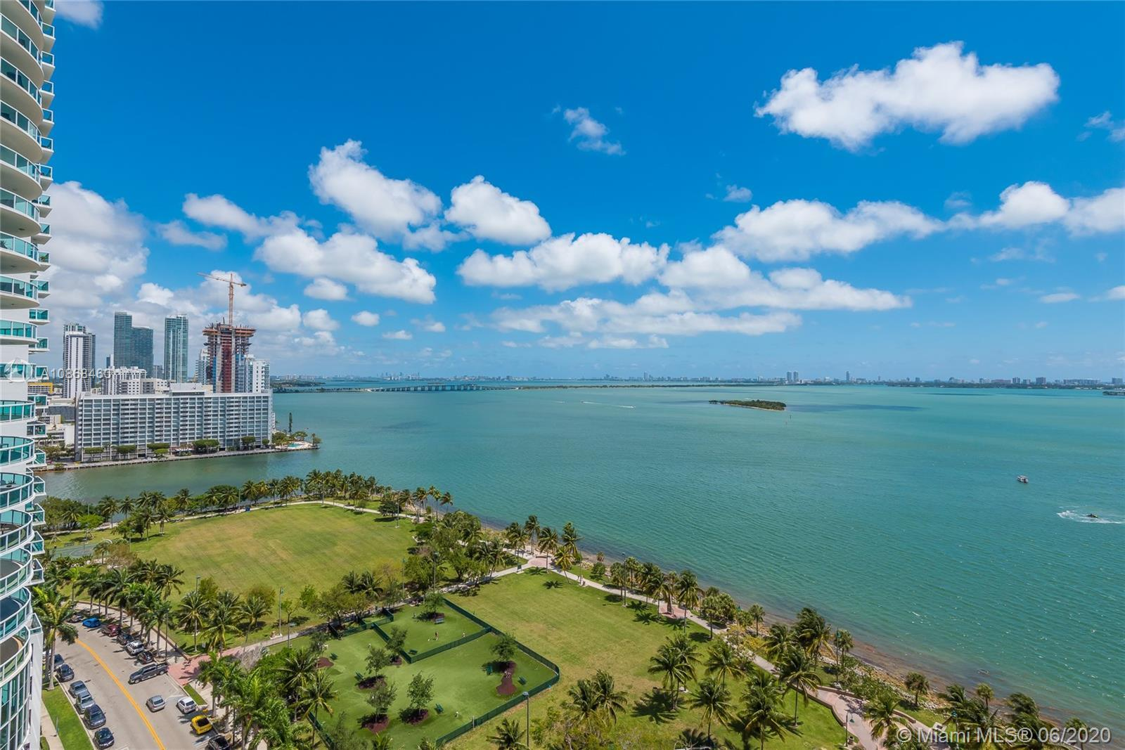 Gorgeous and spacious unit with spectacular direct water views located in the heart of Miami's Art a