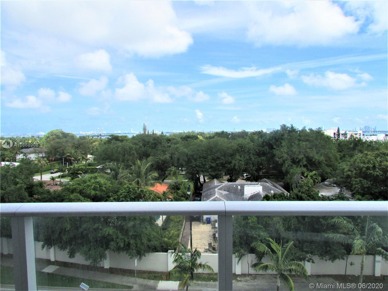 THE BEST VIEW in Baltus House. This 2/2 unit has breathtaking views from Biscayne Bay and Bay Pointe