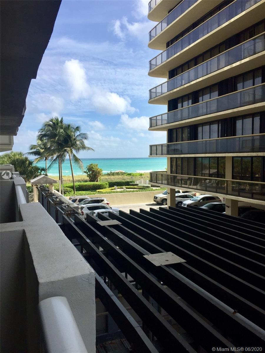 Beautiful Large studio in one of the best beachfronts condos in Surfside. The unit has walkin closet