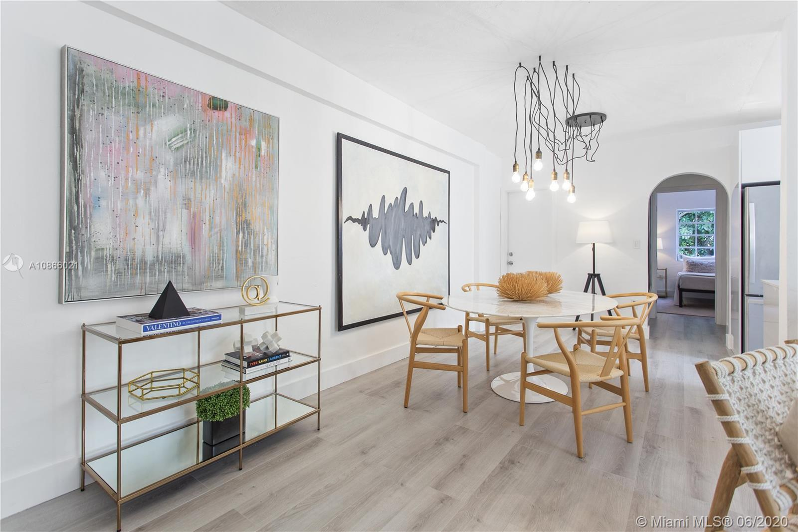 HIDDEN GEM IN THE HEART OF MIAMI BEACH'S ART DECO DISTRICT - NEWLY RENOVATED 2 BED/2 BATH -CORNER 2n