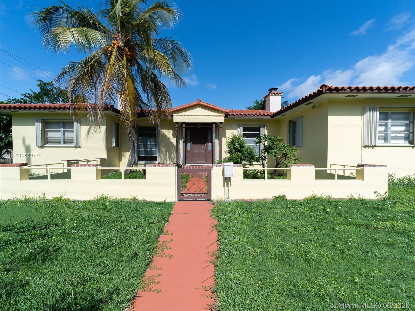 Lovely 3 bed 2 bath home in the quiet, family friendly Surfside neighborhood. Spacious, open and bri
