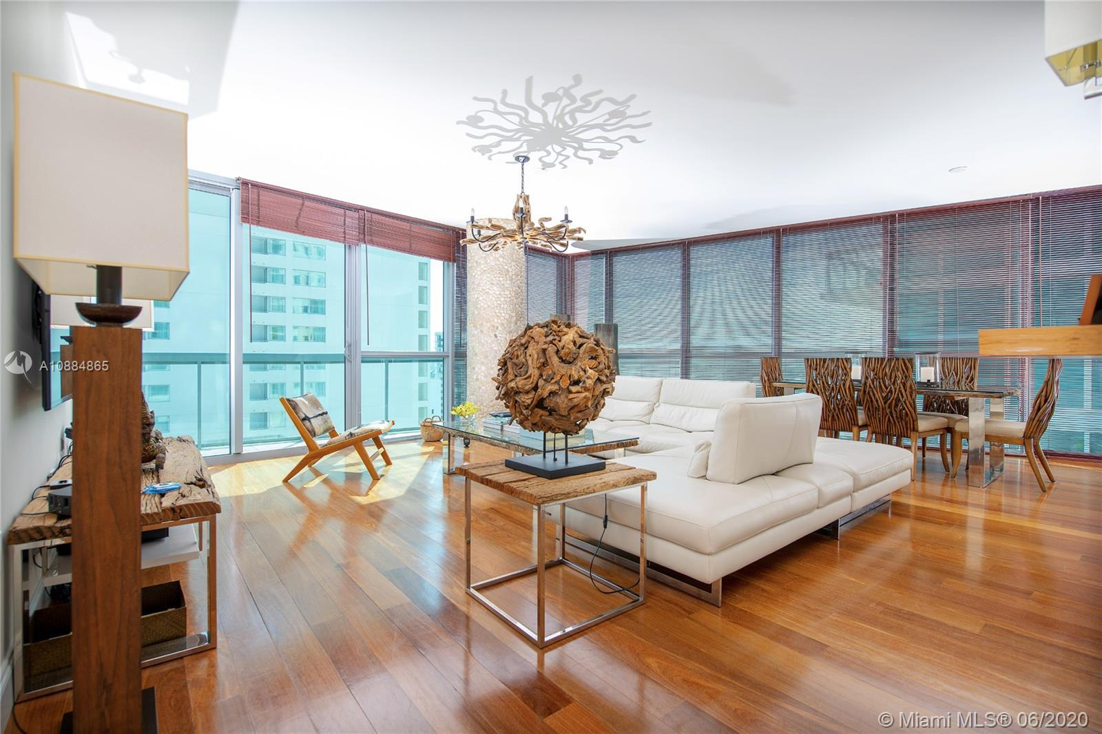 """This sought after """"06"""" line, 2 Bedrooms 