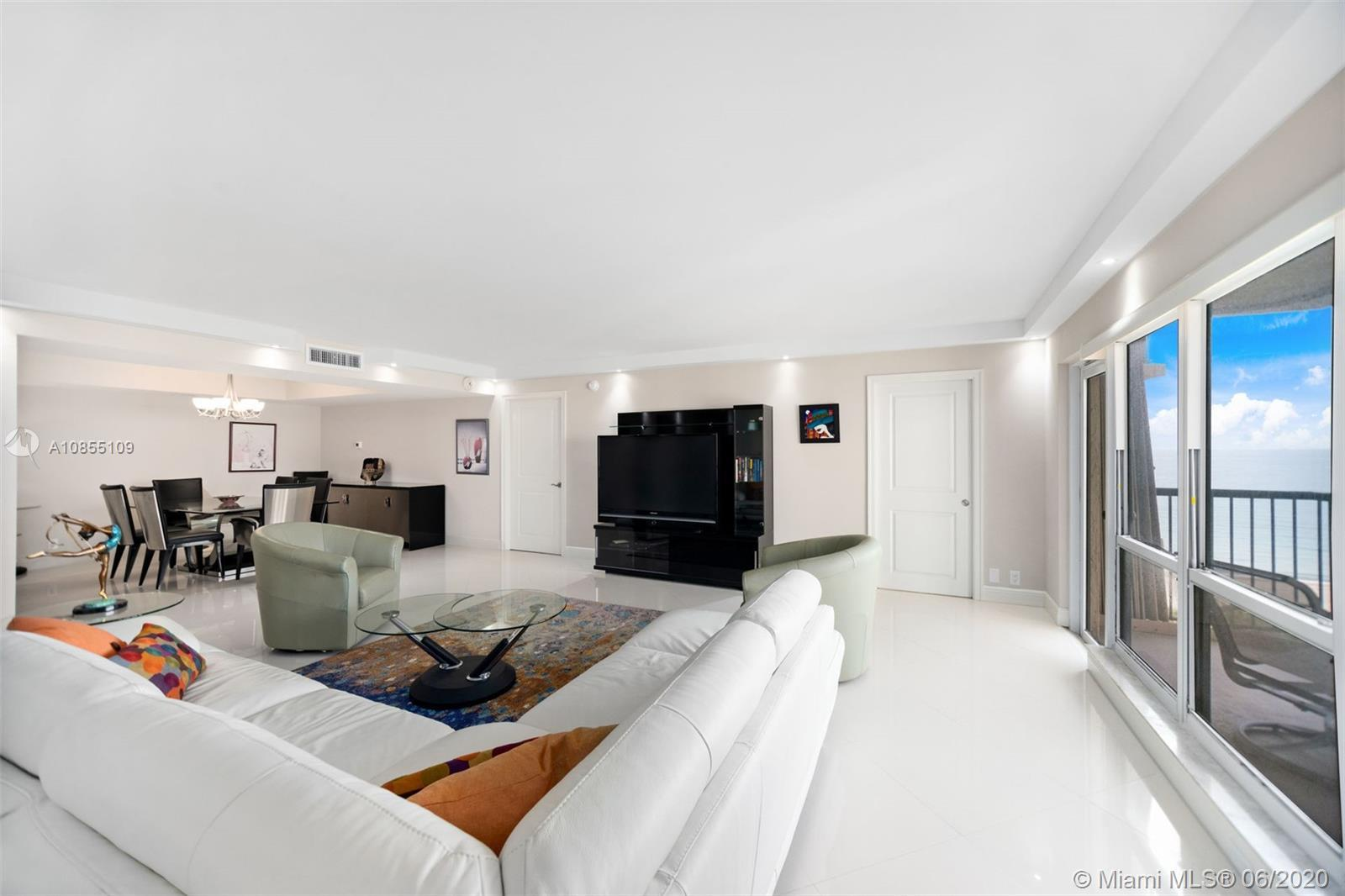 SPACIOUS, BRIGHT AND AIRY. TOTALLY REMODELED, TWO MASTER SUITES, LARGE WALK-IN CLOSETS. OPEN KITCHE