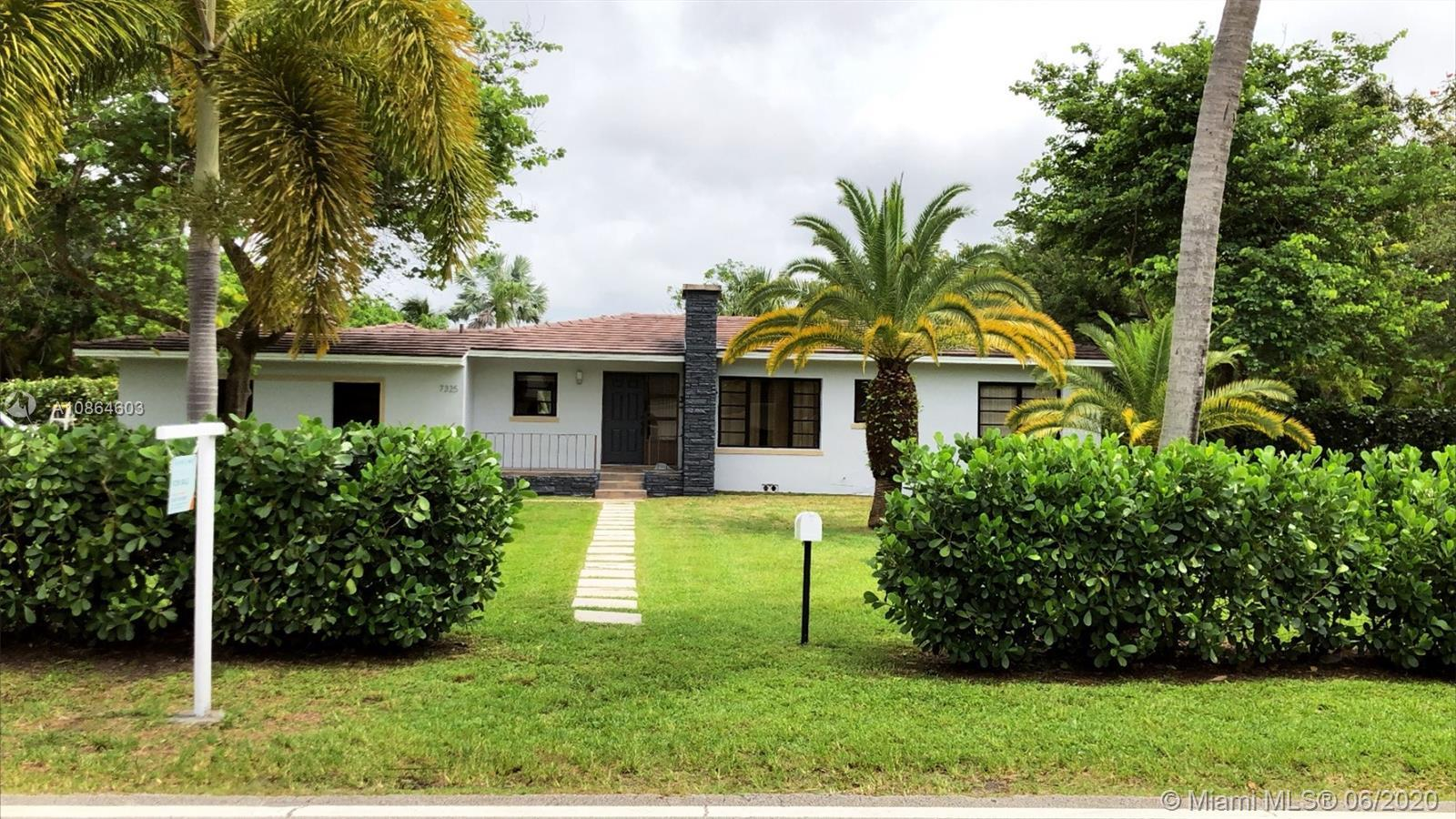 North Pinecrest home sitting on a sprawling 46000+ square foot lot (1.05 acres) and 1780 sq.ft. of i