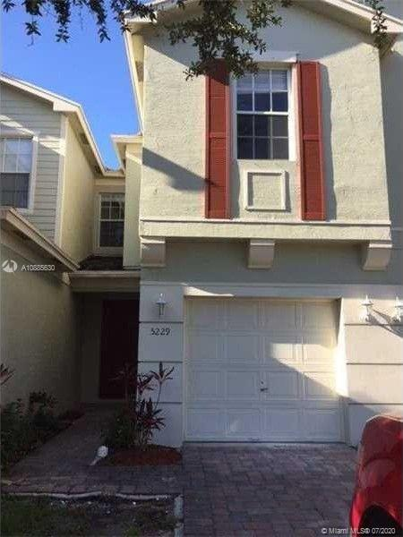 Excellent opportunity in desirable gated community conveniently located in Central Palm County. Prop