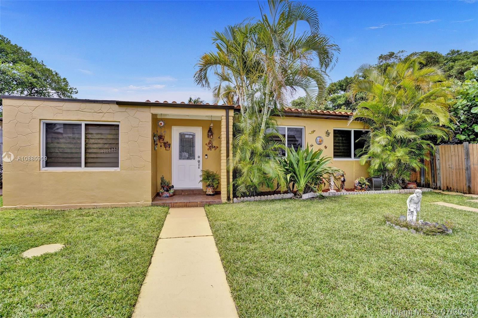 Gated property located in North Beach just steps away from the ocean. Upgraded open kitchen with sta
