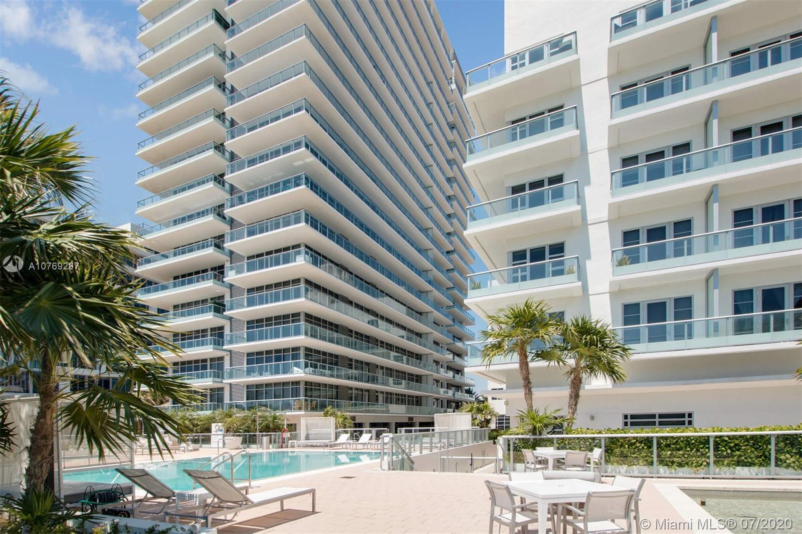 Spectacular ocean views!!   Entertain family and friends from an over 800 sft terrace with direct oc